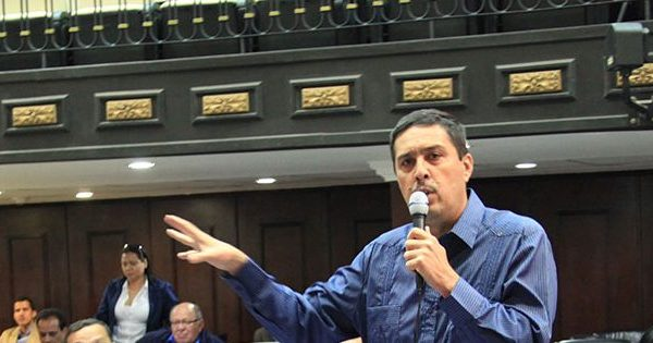 Lobo: Diputados que presentan cifras negaron recursos a misiones