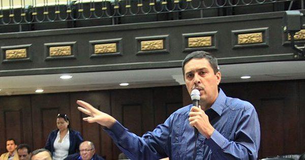 Ramón Lobo nombrado ministro consejero en embajada venezolana en Arabia Saudita
