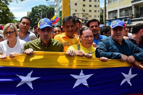 Oposición se moviliza este lunes en rechazo a la constituyente