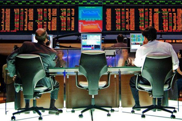 Principales tecnológicas se derrumban en Wall Street
