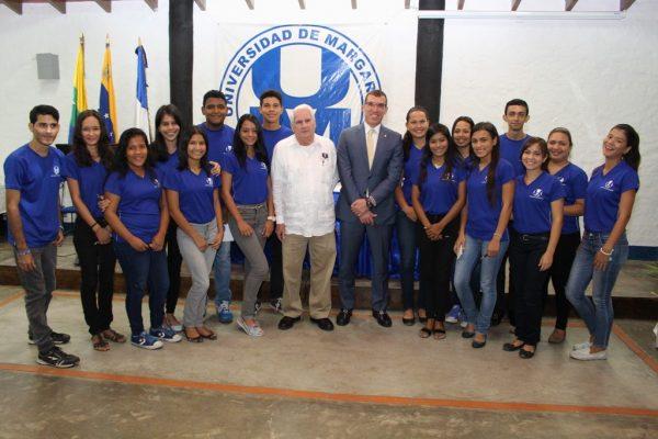 Banesco becará a 30 estudiantes de la UNIMAR
