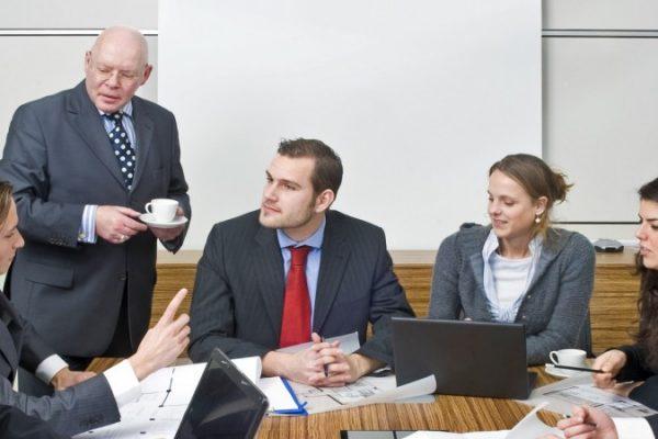 4 formas de lidiar con compañeros de trabajo complicados