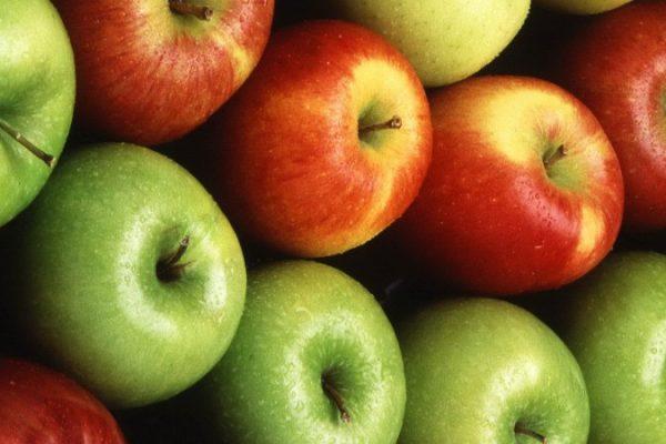 Manzana que no se oxida después de cortada sale al mercado en EEUU