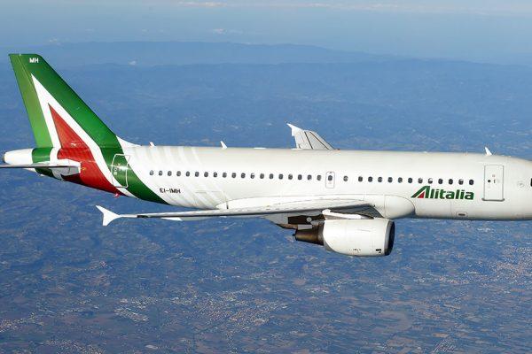 Colombiano Efromovich, de Avianca, quiere comprar 30% de Alitalia