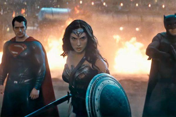 «Batman v Superman» y 'Hillary's America' ganan los premios Razzie a peor película