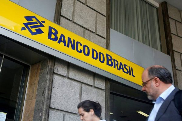 Ganancia de Banco do Brasil incumple expectativas por amortizaciones y menores ingresos