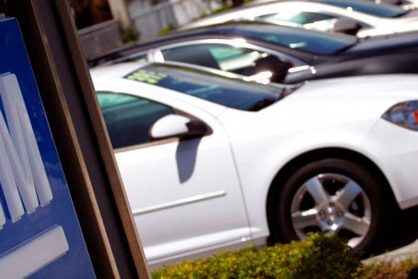 GM sufre caída de ganancia trimestral por menores ventas y cargos de reestructuración