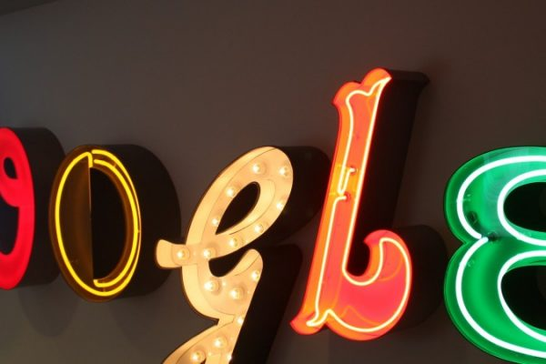 Google afronta multa antimonopolio de la UE en julio