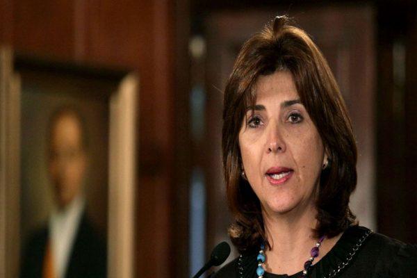 Embajador de Colombia en Venezuela permanecerá en Bogotá