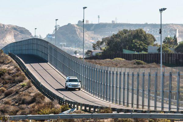 EEUU comienza construcción de nuevo muro para frenar inmigración