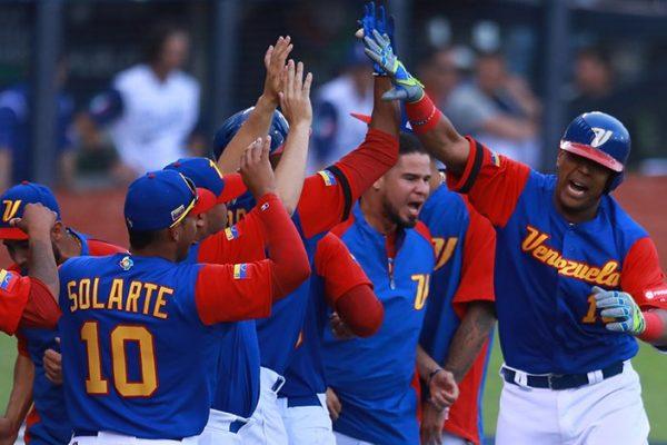 Venezuela derrotó a Italia 11-10 y consigue primera victoria en el Clásico