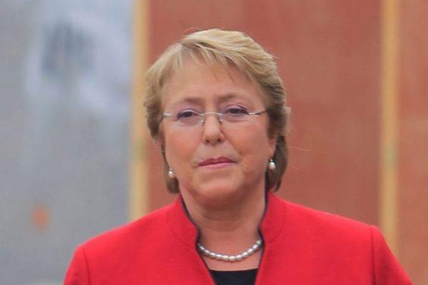Bachelet pide a los dirigentes del país