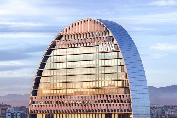 BBVA ganó 2.442 millones de euros en el primer semestre