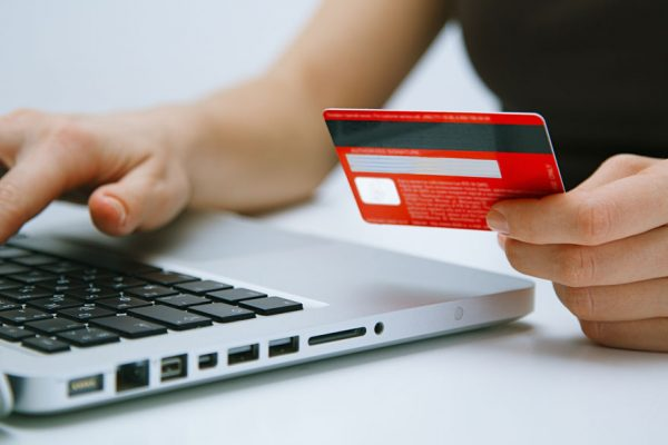 Pagos de transacciones electrónicas tendrán reducción del 5% del IVA