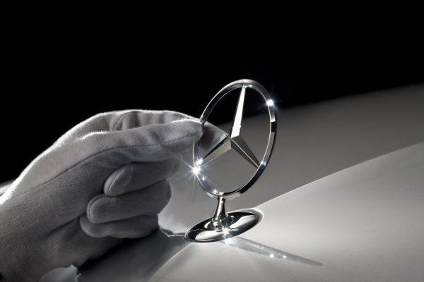 Daimler retirará un millón de autos Mercedes en todo el mundo