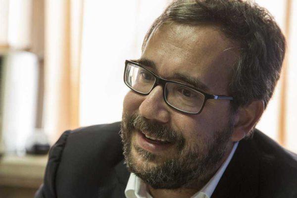 Michael Penfold: Negociación es la única vía para la transición