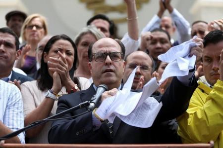 Borges pide réplica a The New York Times por decir que hay recuperación en Venezuela