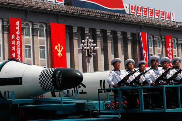 Corea del Norte vuelve a lanzar un misil balístico