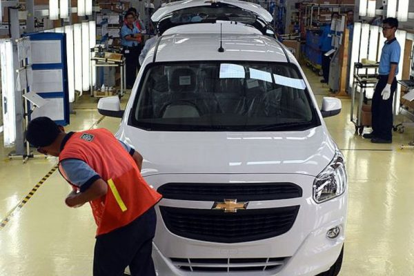 General Motors recortará operaciones en India y Sudáfrica