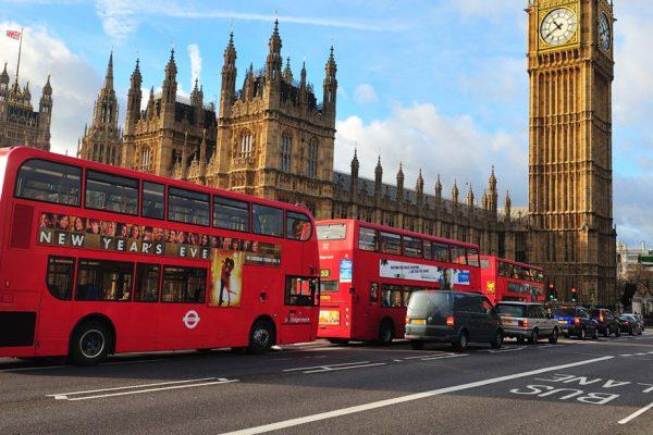 Más de 60 detenidos en Londres por manifestaciones contra confinamientos por covid-19