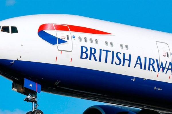 Presidente de British Airways defiende los recortes laborales por la pandemia