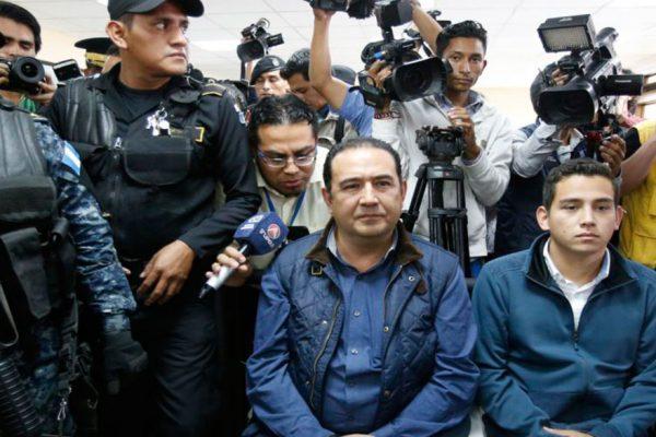 Hermano e hijo del presidente de Guatemala irán a juicio por fraude