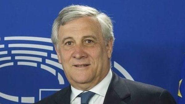 Tajani: La UE debe seguir senda mostrada por EEUU e imponer sanciones a Venezuela