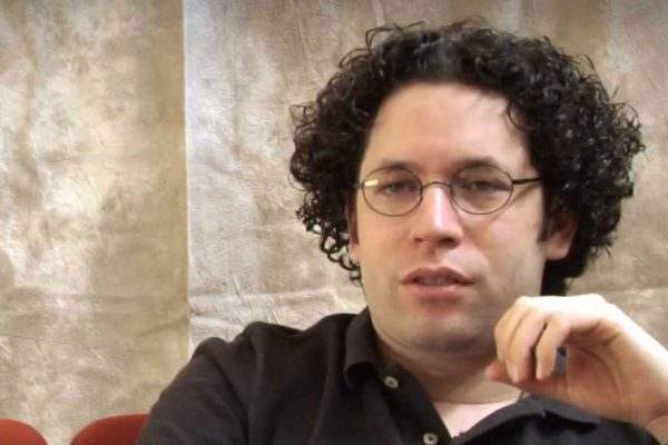 Gustavo Dudamel ve «esperanza» en el sistema de orquestas