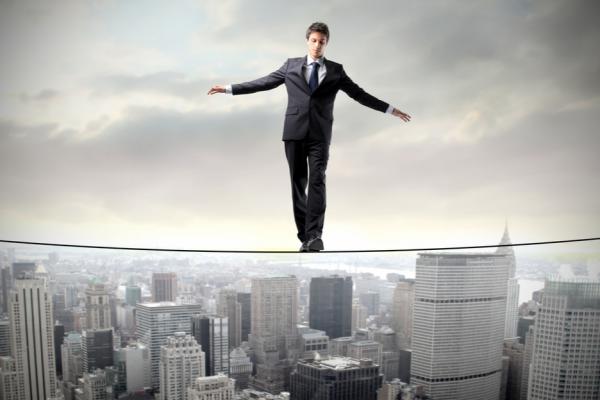Expertos | ¿Por qué tantos hombres incompetentes se convierten en líderes?