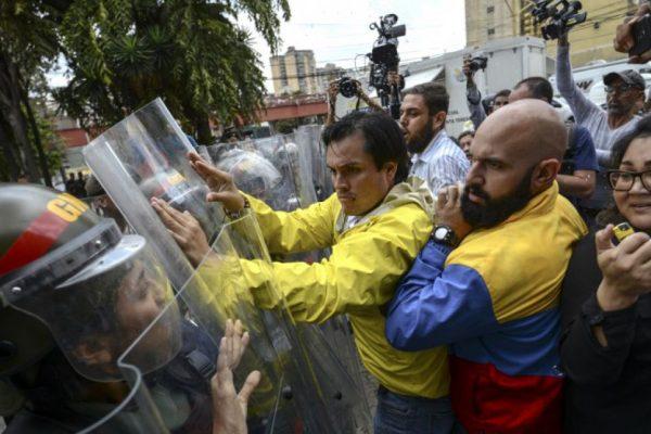 Bloomberg: Profundización de la crisis de Venezuela expone divisiones en el oficialismo