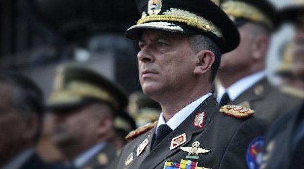 Renuncia M/G al Consejo de Defensa de la Nación por estar en desacuerdo con la constituyente