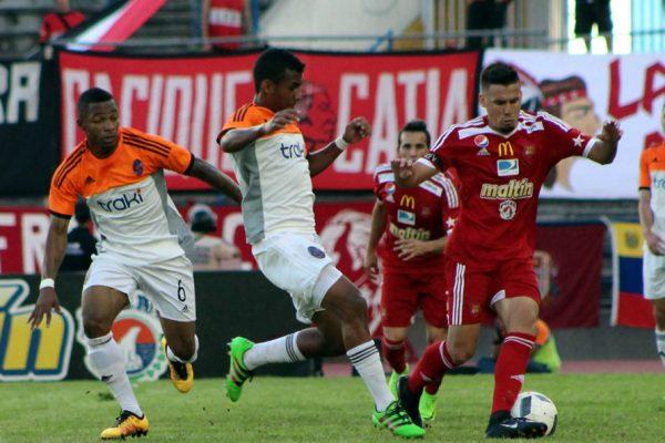 Caracas FC dió primer paso hacia la final del Torneo Apertura del fútbol venezolano