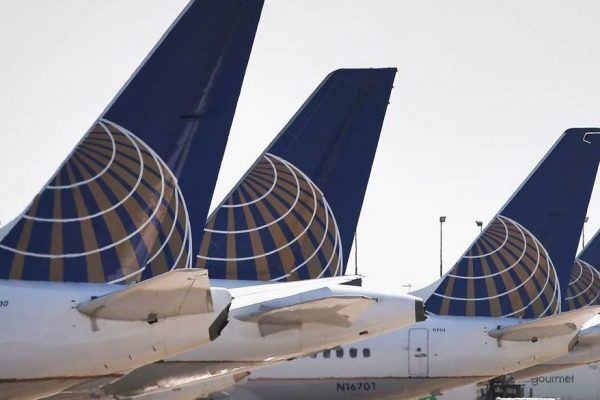 United Airlines prevé despedir a 16.000 trabajadores en octubre