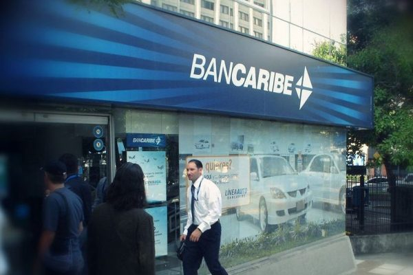 Bancaribe abre cuentas en dólares o euros que permiten operaciones en el país