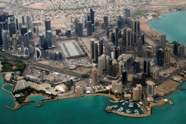 Qatar busca mediación de Kuwait luego de que poderosas naciones árabes cortaran lazos