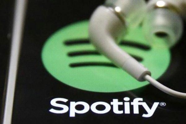 Ingresos de Spotify mejoran, pero suma menos suscriptores pagados de lo previsto
