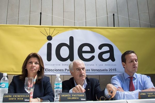Ex presidentes latinoamericanos viajan a Venezuela