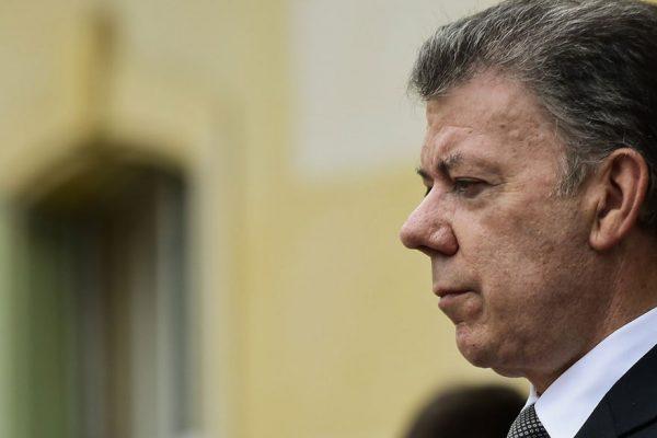 Santos denuncia plan para que colombianos voten en Venezuela