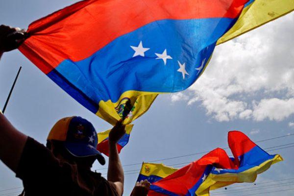 Empresas chilenas destacan desempeño laboral de los venezolanos