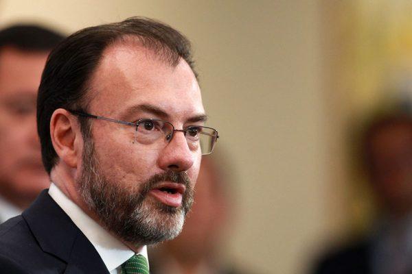 Canciller mexicano busca apoyo de Cuba para resolver crisis en Venezuela