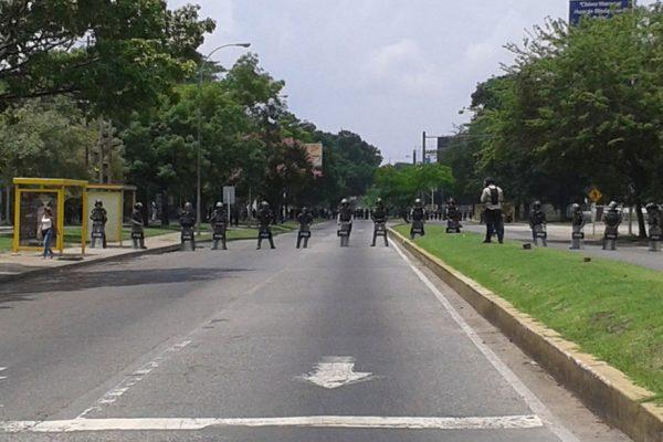 Reportan dos fallecidos tras enfrentamiento en el Fuerte Paramacay