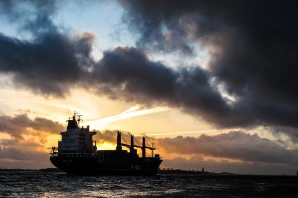 Llegó sin contratiempos a aguas nacionales primer buque iraní cargado de gasolina