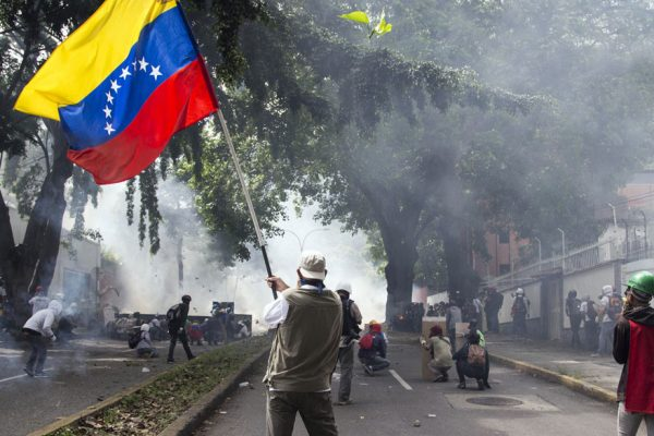 ONU: Fuerzas de seguridad venezolanas aplican fuerza excesiva y arrestos para sofocar protestas