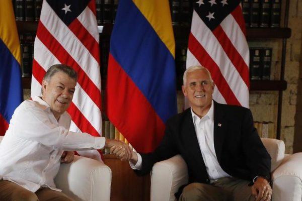 Santos pidió a Pence descartar intervención militar de EEUU en Venezuela