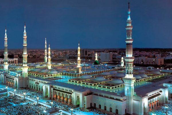 Arabia Saudita presiona renovación de recorte de producción para sostener precios