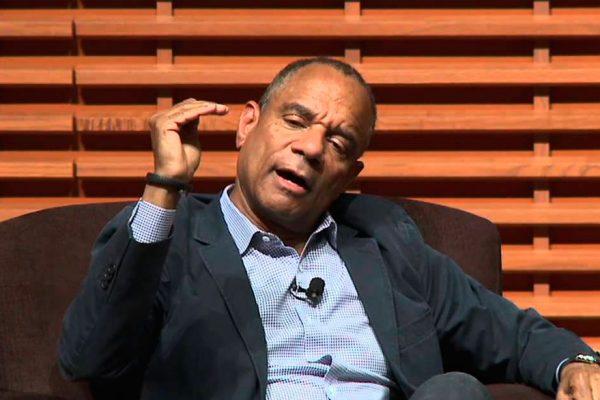 CEO de American Express deja el cargo tras 16 años al frente
