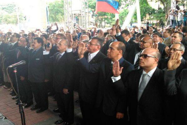 «TSJ en el exilio» solicita captura de Maduro