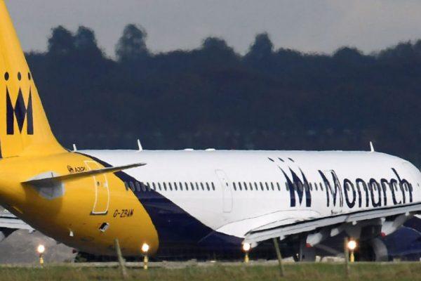 Británica Monarch Airlines se declara en quiebra y deja a la deriva a miles de pasajeros