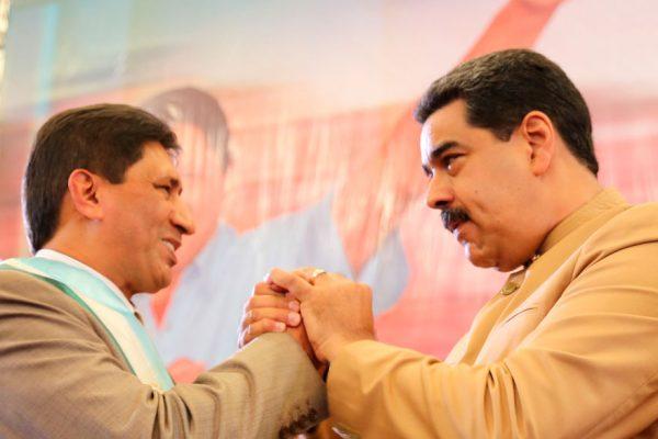 Gobernadores chavistas prometen centrarse en la economía