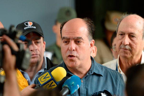 Maduro acusa a Borges de sabotear importaciones venezolanas